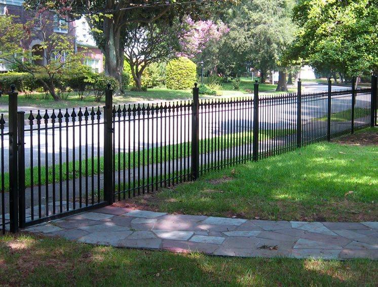 front yard fence ideas landscaping network. Black Bedroom Furniture Sets. Home Design Ideas