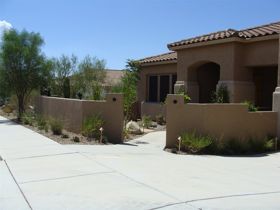 Colorful desert courtyard landscaping network for Front yard courtyard design