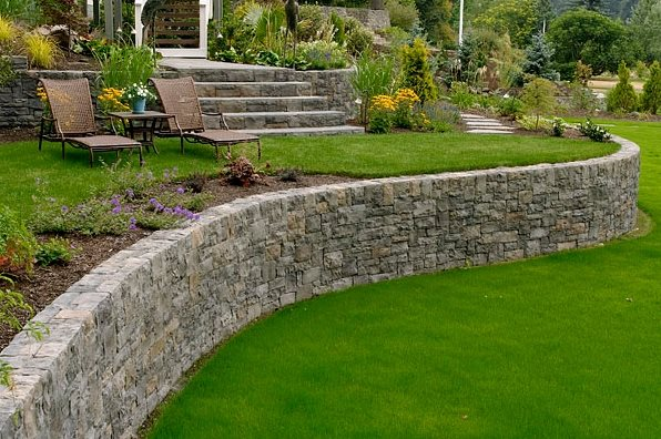 Great Curved Retaining Wall Retaining And Landscape Wall Big Sky Landscaping Inc.  Portland, OR