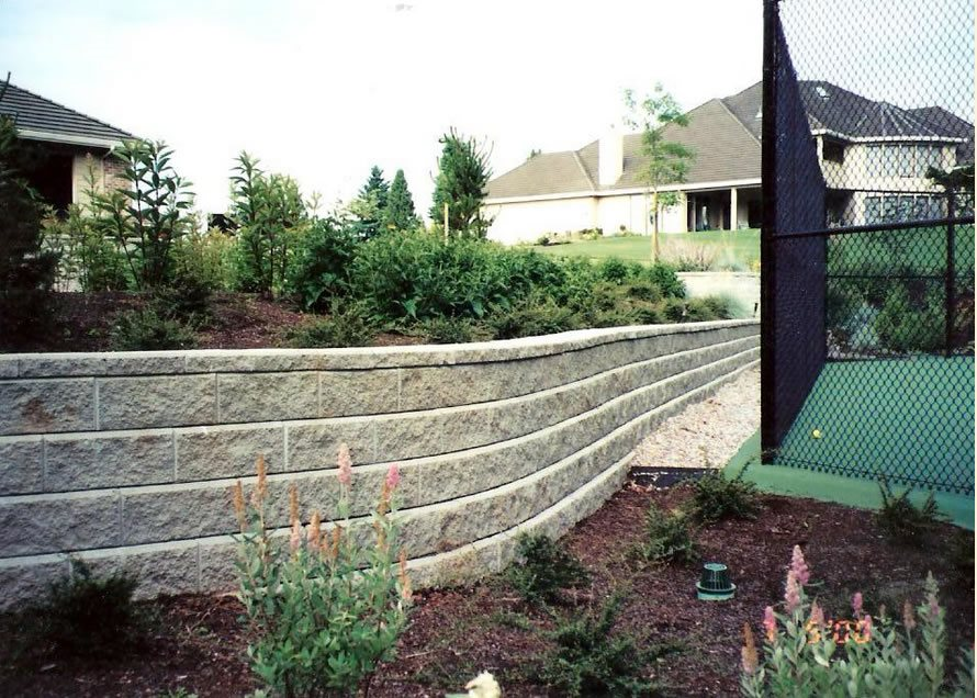 Gray Block Wall, Curved Retaining Wall Retaining And Landscape Wall Woodyu0027s  Custom Landscaping Inc Battle