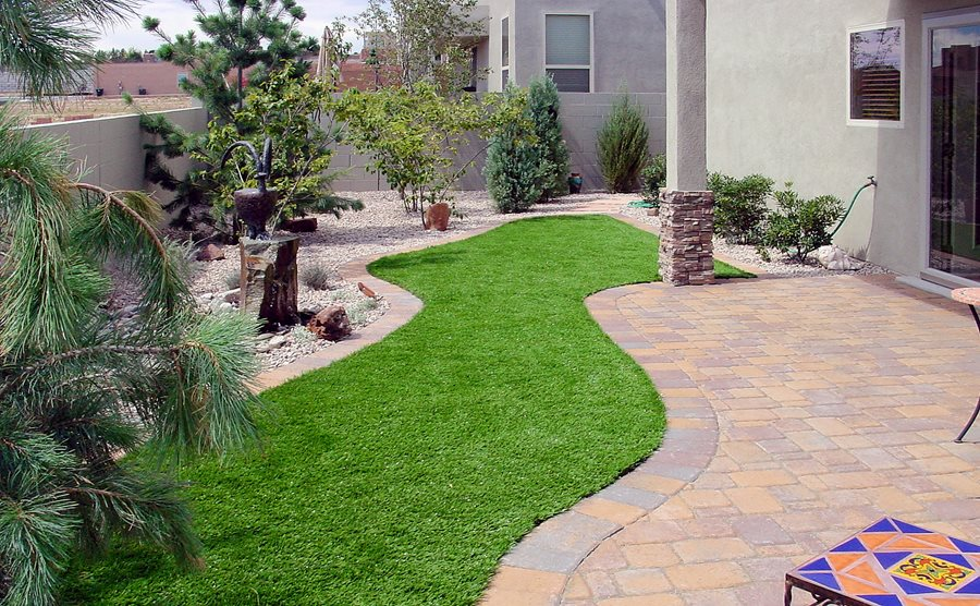 Lawn planning design landscaping network for Garden design ideas artificial grass