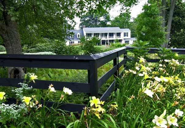 Front Yard Fence Ideas - Landscaping Network on Backyard Ideas For Large Yards id=66874