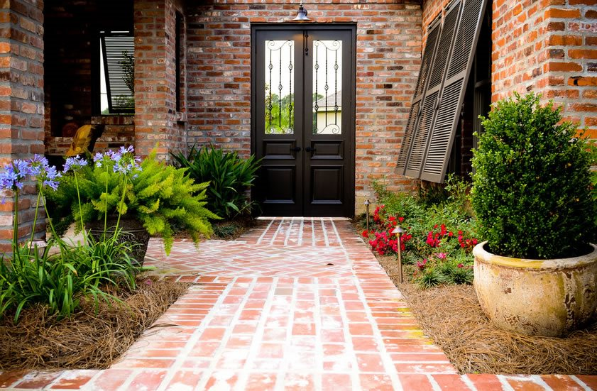 Brick Walkway Ideas - Landscaping Network on Patio Designs For Straight Houses id=17944