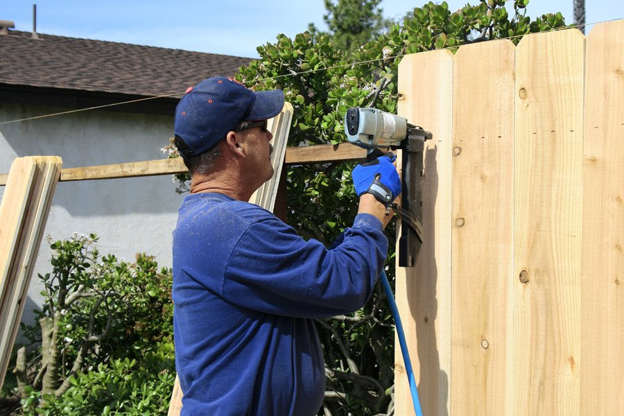 How To Install A Fence Landscaping Network