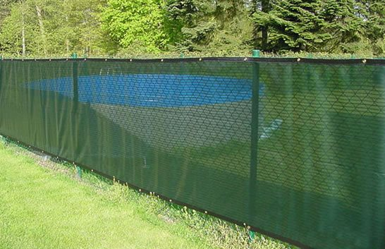 Chain link fencing landscaping network for Green privacy fence ideas