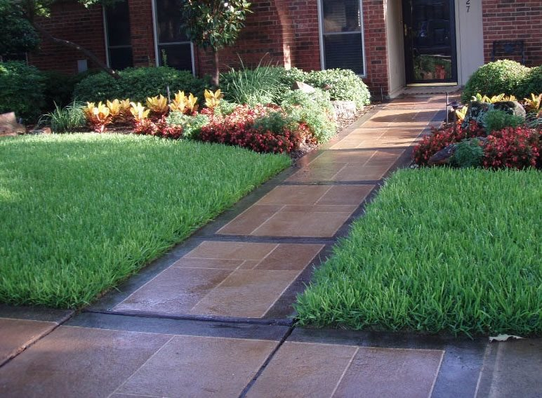 Sidewalk Design & Landscaping - Landscaping Network on Patio Designs For Straight Houses id=97196