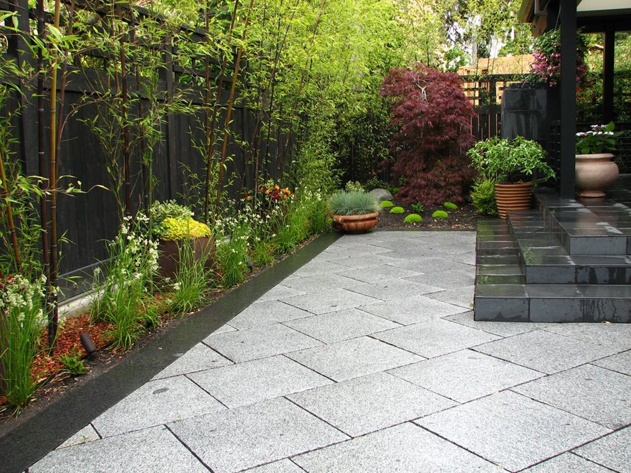 Private japanese garden landscaping network for Paved garden designs