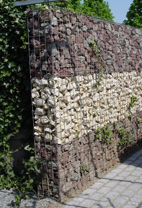 gabion retaining wall ideas landscaping network On steine fur gabionen