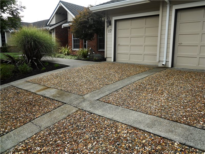 Huettl Landscape Architecture Walnut Creek Ca This Exposed Aggregate Driveway Features Contrasting Concrete Borders