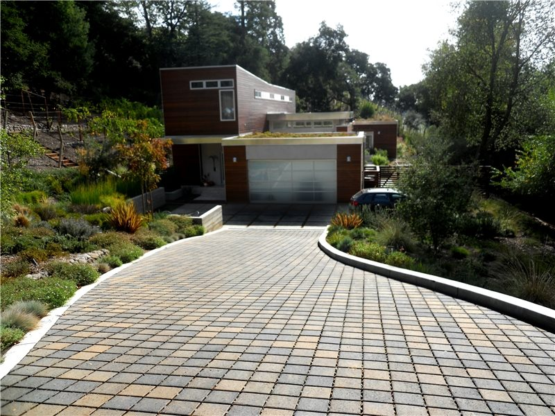 Driveway drainage solutions landscaping network for Driveway landscape design
