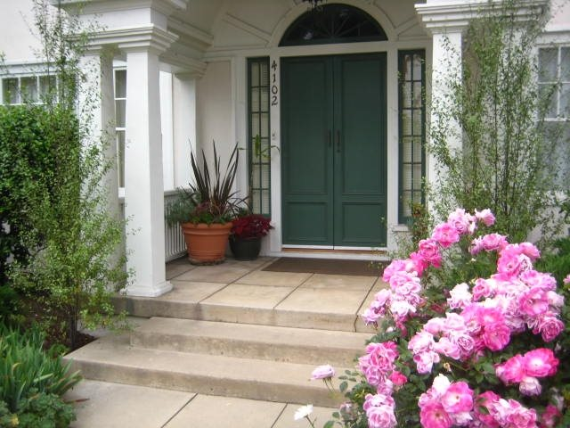 Front porch ideas landscaping network for Front porch landscaping ideas