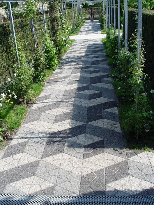 Paver design ideas landscaping network for Paving designs for small garden path