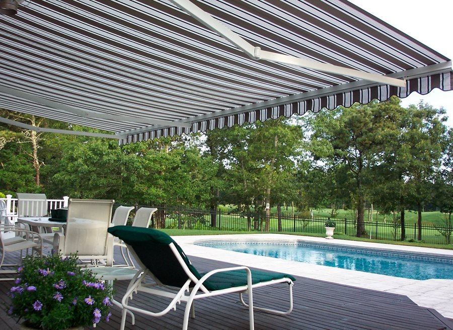 Retractable shade awnings landscaping network for Retractable patio awning canopy