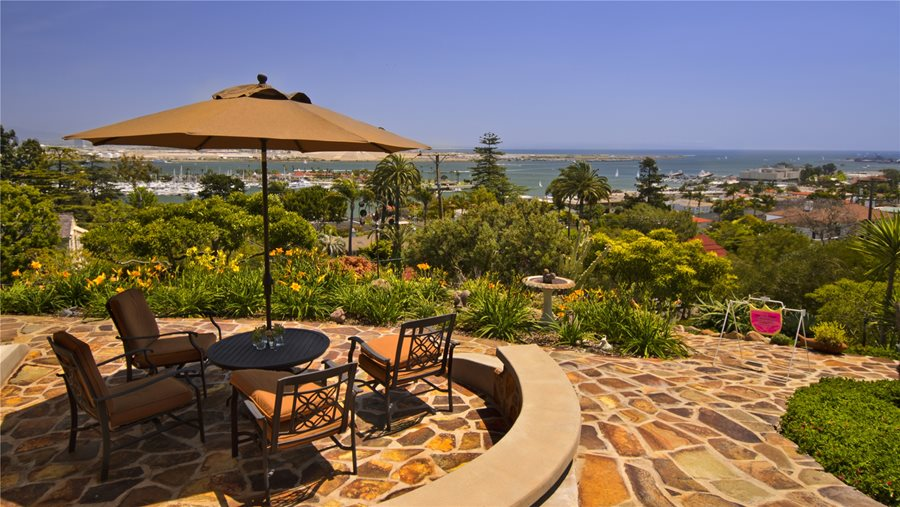 This Is One Of The Most Beautiful Flagstone Patio Pictures Weu0027ve Seen! This  Picturesque Patio Is Set Right Above The Coastline Of A Gorgeous Beach.