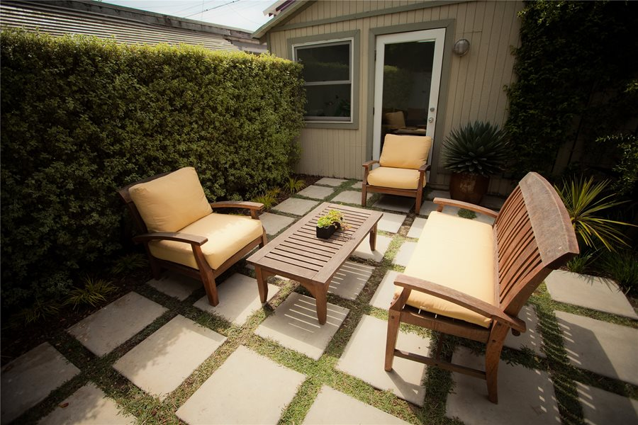 Oversized Concrete Pavers - Landscaping Network on Modern Concrete Backyard id=14702