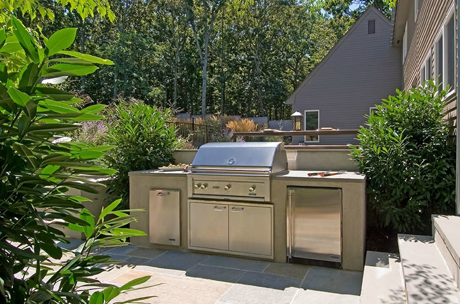 outdoor kitchen designs ideas landscaping network ForSmall Backyard Outdoor Kitchen