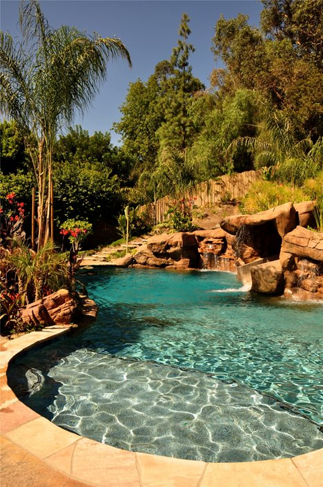 Tropical landscaping ideas landscaping network for Tropical landscape
