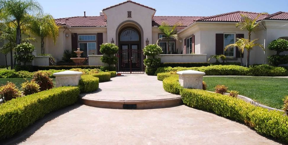 Front Yard, Mediterranean Front Yard Landscaping Landscaping Network Calimesa, CA