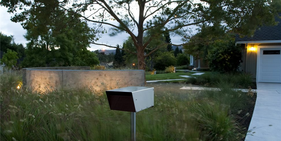 Front Yard Lighting Garden Design Shades of Green Landscape Architecture Sausalito, CA