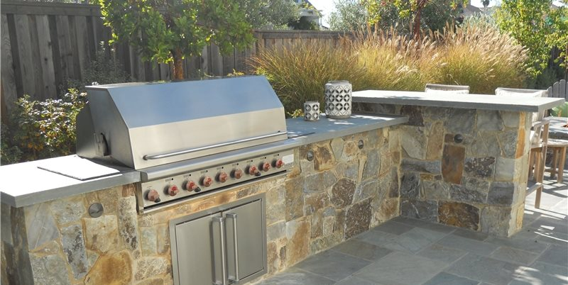 Stone Veneer for Outdoor Kitchens - Landscaping Network