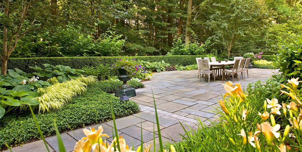 Patio, Big, Dining, Table, Stone, Urn, Green Liquidscapes Pittstown, NJ