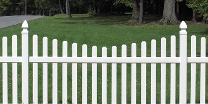 Scalloped Picket Fence CertainTeed ,