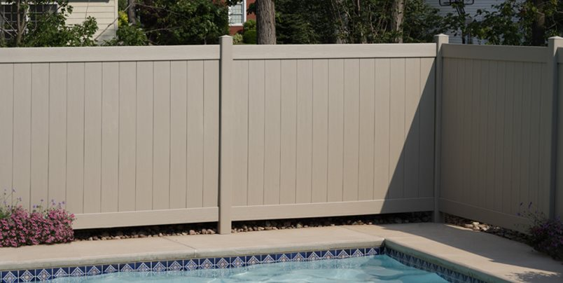 Solid Pool Fence CertainTeed ,