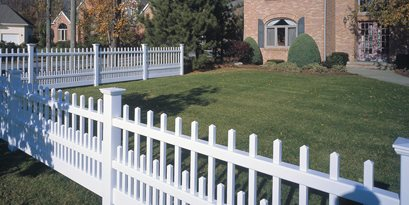 Vinyl Picket Fence CertainTeed ,