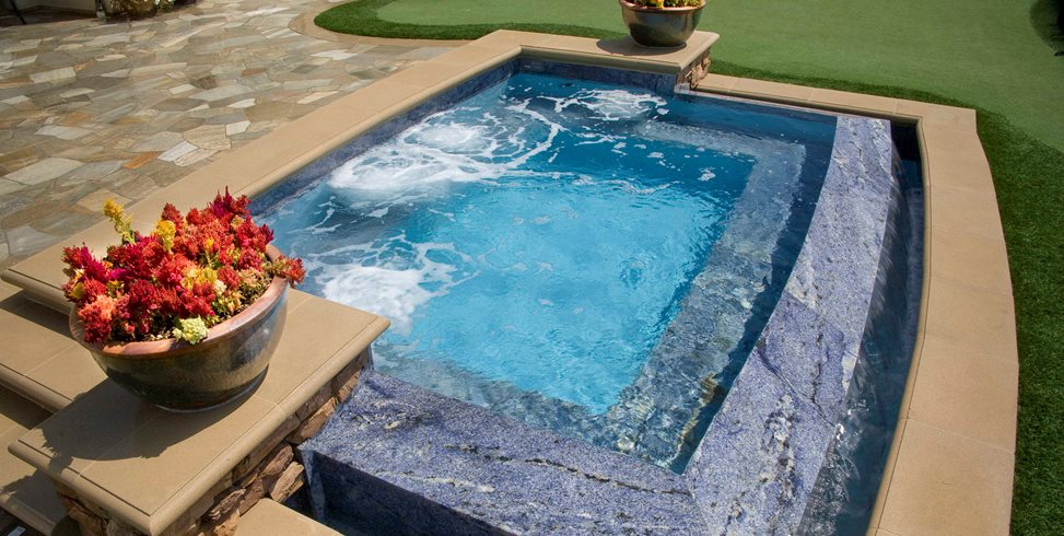 Zero Edge Spa, Vanishing Edge Spa Alderete Pools Inc. San Clemente, CA