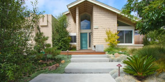 Contemporary, Wide Concrete Steps DC West Construction Inc. Carlsbad, CA