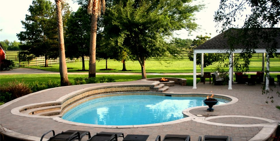 Custom Pool, Pool Design Walkway and Path Lightfoot Landscapes, Inc. Houston, TX