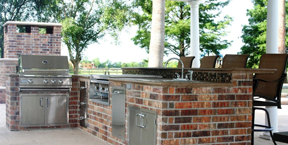 Outdoor Kitchen, Outdoor Bar Walkway and Path Lightfoot Landscapes, Inc. Houston, TX