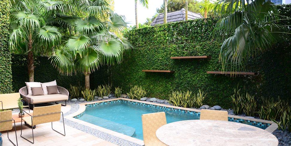 Small, Pool, Splash Pool Swimming Pool Lewis Aqui Landscape + Architectural Design, LLC. Miami, FL