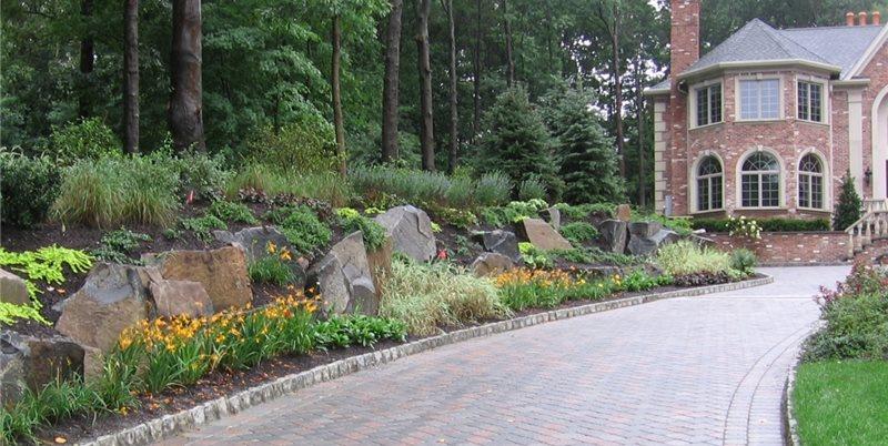 Stone Driveway Edging Concrete Paving Cipriano Landscape Design Mahwah, NJ