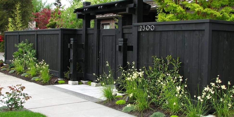 Front Yard Fence, Privacy Fence, Dark Fence Stock & Hill Landscapes, Inc Lake Stevens, WA