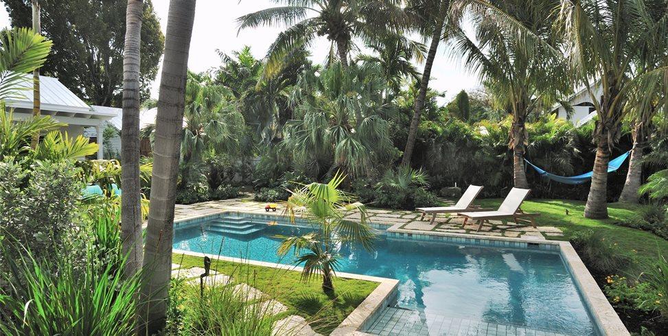 Tropical, Pool, Shelf, Lounges Craig Reynolds Landscape Architecture Key West, FL