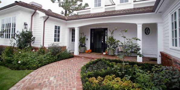 Curved Walkway, Red Brick Walkway, Herringbone Walkway Walkway and Path Garden Studio Design Newport Beach, CA