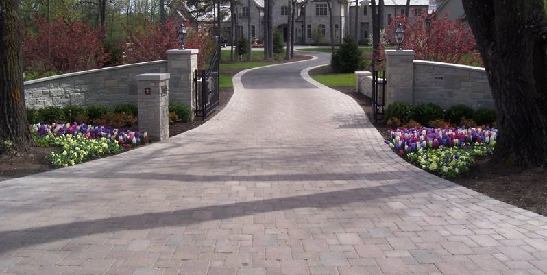 Estate Driveway Driveway Bertog Landscape Co. Wheeling, IL