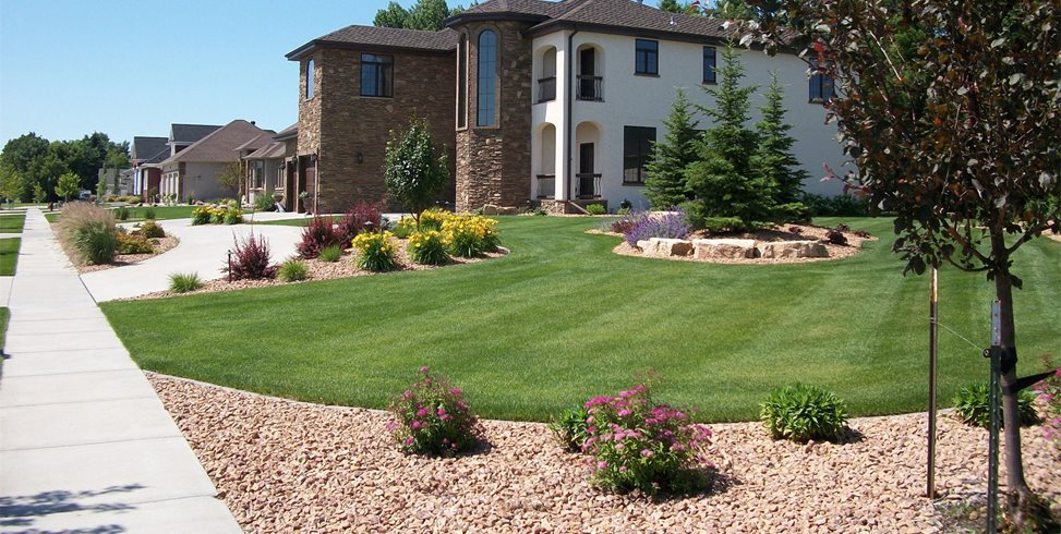 Front Yard, Lawn, Rocks, Trees, Driveway Garden Design Signature Landscapes Inc. Fargo, ND